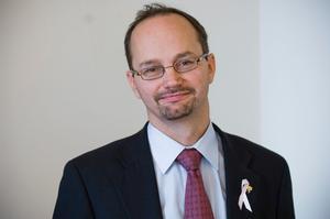 Infrastrukturminister Tomas Eneroth (S) menar att ytterligare begränsningar i mobillagen endast bör införas vid mycket tydliga skäl.