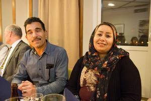 Abed Nabgan gläds åt att fira tillsammans med familjen. Hustrun Masomeh Motiesheri väntar dock ännu på sitt medborgarskap.