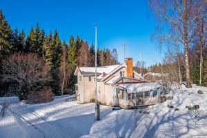 En avstyckad gård i Kniva/Nygården i Falu kommun kom på andra plats på Dalarnas egen Klicktoppen. Foto: Länsförsäkringar fastighetsförmedling/Mikael Tengnér