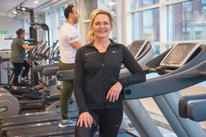 Heli van Wyk  på Puls & Träning i Nynäshamn märker av ett större tryck på klasserna efter nyår.