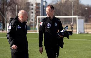 Mika Korhonen och Jörgen Nyberg har fått spelarna att köpa ett nytt spelsätt.
