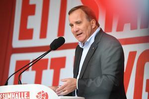 Foto: Fredrik Sandberg/TT    Statsminister Stefan Löfven under sommartalet i Björneborg i Värmland.