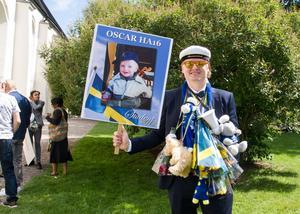 Oscar Karjalainen ställde gärna upp på bild.