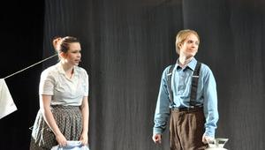 """Teater är också kul tycker Andreas Forsberg, här som farbror Henry i """"Trollkarlen från Oz""""."""