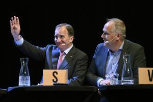 Klappat och klart? Stefan Löfven (S) och Jonas Sjöstedt (V) tycks nu ha kommit överens. Nu talar det mesta för att en historisk period inom svensk politik med fyra månader av regeringsförhandlingar till slut är över.
