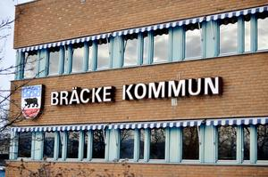 Varje år skickas ett antal bluffakturor i varierande summor till Bräcke kommun för olika typer tjänster som man tvingas hantera.