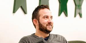 Michael Campese berättar om nye tränarduon.