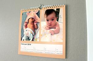 Nyligen var hon tillbaka till sjukhuset med en present. En kalender med bilder på Gabi med kontaktuppgifter i.