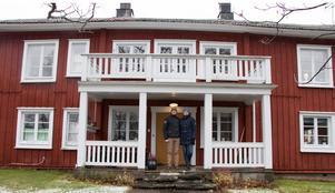 Isabelles och Tomas bergsmansgård har ett klassiskt utseende.