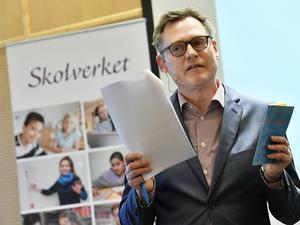 Skolverkets generaldirektör Peter Fredriksson behöver tänka om kring gymnasieskolans arbetssätt.