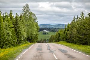– Det är helt klart svårare att vara klimatvänlig om man bor på landsbygden, säger klimatforskaren Douglas Nilsson.