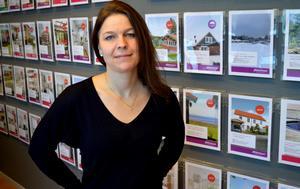Anna Jonsson, vd/fastighetsmäklare på Mäklarhuset, säger att folk börjar bli mer prismedvetna.