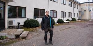 Andreas Karlssons företag Finntorpet Bygg & Konsult har precis köpt lokalerna i bakgrunden, Karlsson Spools tidigare lokaler.