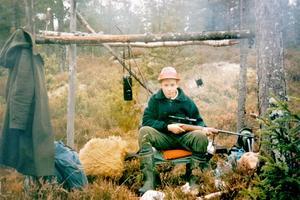 Jan-Ove Kardell började jaga vid ung ålder. Här en bild från en höst under 1980-talet när han fick följa med ut.