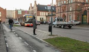Jönköpings kommun uppger att en majoritet av invånarna hellre ser en satsning på kollektiv- och cykeltrafiken, än biltrafiken.