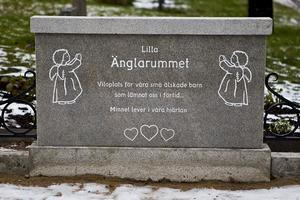 Lilla Änglarummet finns där det tidigare låg en samgrav, på Sofiedals griftegård i Hudiksvall. Foto: Malin Pahlm