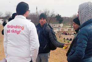 Sverigedemokraternas partiledares Jimmie Åkessons besök hos flyktingarna vid gränsen mellan Turkiet och Grekland har mötts med blandade känslor.FOTO: Privat