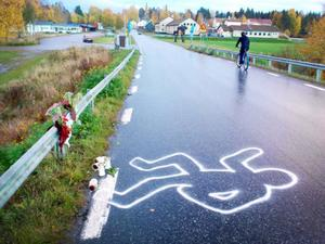 Målade konturer av en människa ska visa en fiktiv olycka.