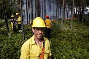 Fredrik Lundin från Länsstyrelsen Dalarna ledde arbetet med att bränna ett två hektar stort skogsområde