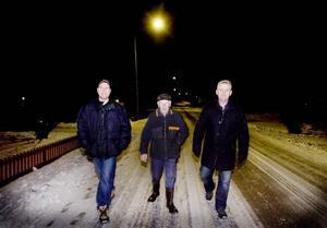 FIRANDE GRANNAR. Roger Östling, Göte Helzenius och Gert Ove Persson - tre grannar med samma födelsedag.