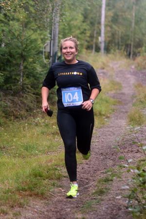 Alexandra Lavers på glatt humör i löparspåret.