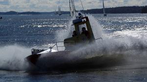 Sjöräddningen förevisar sin rescuebåt och gör en s.k. kraschstop inför alla åskådare vid Västeråsregattan 15/9.