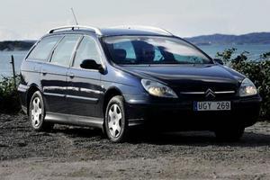 Citroëns konstruktion är gjord för glidaråkning snarare än mer aktiv körning.  Foto: Björn Olsson