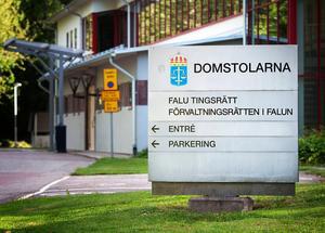 Falu tingsrätt frikänner en man från misstankarna om en våldtäkt som skulle ha ägt rum i en bostad i Falun i december i fjol.