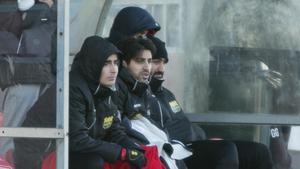 Ilyas Merkes (mitten) är en av sju spelare som lämnat Södertälje FK för Arameisk-Syrianska.