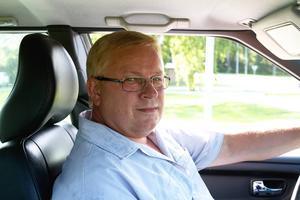 Hans Jansson, 56, SMT:   – Jag hörde det på radion precis. Det verkar som att många tycker det var väntat, flytten av huvudkontoret från Sandviken är något som skavt bland Sandvikenborna.