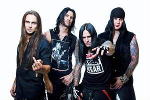Hårdrocksbandet Hardcore Superstar har släppt ett samlingsalbum och är just nu på turné genom Sverige, Norge och Finland. På lördag spelar de på Gamla Teatern i Östersund.