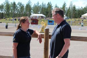 Tävlingsansvarige Pernilla Netsamn Stolpe tillsammans med ordförande Patrik Sundström .