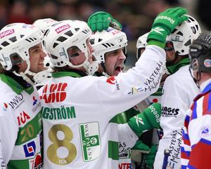 Grönvita glädjescener i Göransson Arena. FOTO: PER G NORÉN