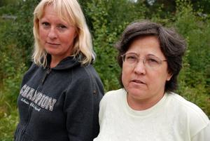 Kräver tillbaka. Pelargonexperterna Monica Säter och Maria från Uppsala åkte till Rättvik under fredagen för att kräva tillbaka 1 400 moderplantor av en anklagad privatodlare.