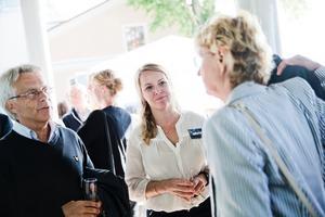Lennart Bondeson (KD) och Anna Bjelke, marknadschef på Örebrokompaniet.