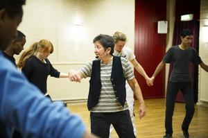 Ruth Augustine höll i taktpinnen för dansarna i Mellansel.