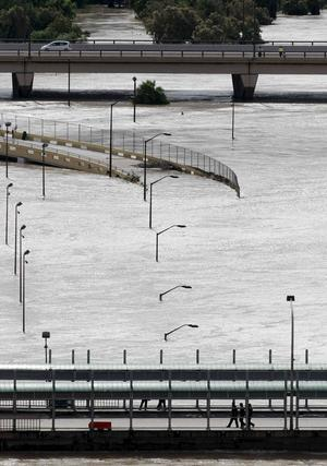 I Alexs spår. Floden Rio Grande svämmade över efter orkanden Alex för två veckor sedan. Förmodligen kommer klimatförändringarna leda till fler naturkatastrofer.