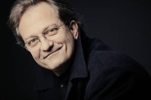 Gérard Korsten, dirigent.