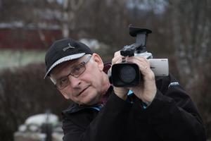 Carl-Åke Wikström i Alfta följde Sone Banger med filmkameran med start våren 2008. Det sista året har har jobbat med redigeringen. Av totalt 25-30 timmar inspelat material har det blivit 57 minuter färdig film. Carl-Åkes största filmprojekt hittills.
