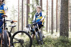 18-årige Johan Geschwind, Falu CK, hoppas på sitt första VM i Downhill.