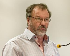 Per-Arne Frisk, ordförande i socialnämnden, förklarar att de aktiva föreningarna prioriteras.