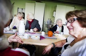 träffa äldre kvinnor