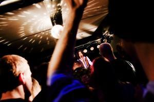 Det kommer alltid mycket folk till Rocknight, publikrekordet är hittills 700 personer.