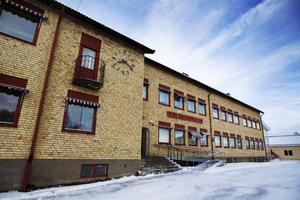 De flesta eleverna flyttar från Föllinge till studieorten under gymnasiet.