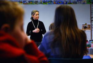 Besöket på Kungsgårdsskolan var bara ett av alla som Pernilla Gesén gör just nu.