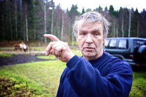 Conny Eriksson i Blomsteränget hann själv aldrig se vargen som gjorde en snabbvisit på gården.
