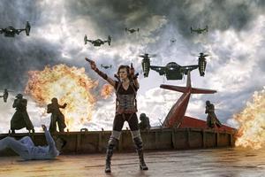 Milla Jovovich – njuter av att spela actionhjälte.Foto: Scanpix