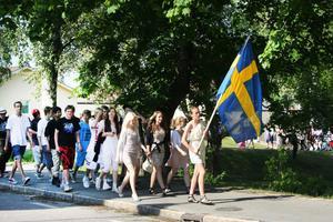 På onsdagen var det dags för skolavslutning i Ockelbo kyrka för Perslundaskolans elever. Sjuorna och åttorna tågade till kyrkan.