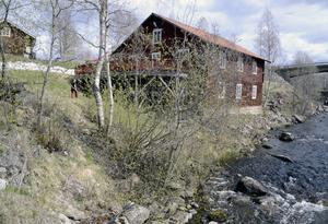 Den populära restaurangen Strömbacka kvarn i Hackås har just nu ingen som driver den i sommar. Vad som händer med