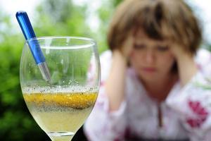 Det är klokt att tänka till över de alkoholvanor man har lagt sig till med under sommaren, menar artikelförfattarna.